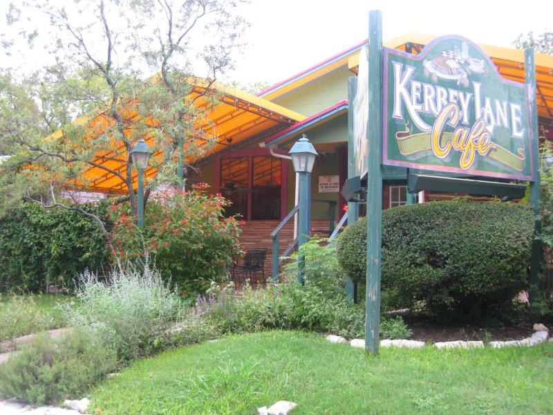 A Fun, Short  Walk Through the Neighborhood To Kerbey Lane Cafe and Other Great Restaurants, Shops - Wow! Hip Austin Home For ACL, SXSW and Formula 1 - Austin - rentals