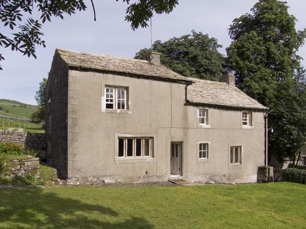 TOWN HEAD FARM, family friendly, luxury holiday cottage, with a garden in Malham, Ref 4291 - Image 1 - Malham - rentals