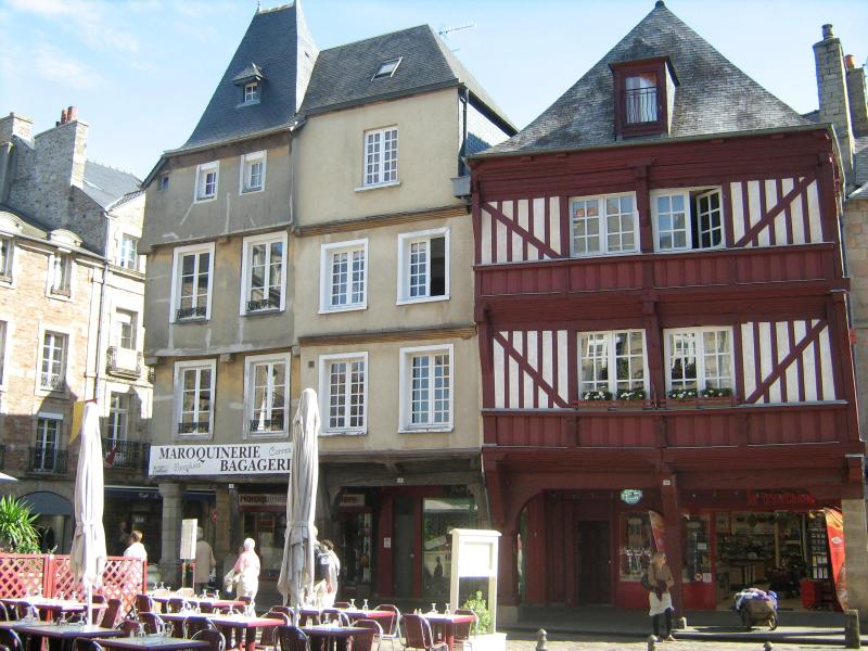 Apartment exterior (first floor corner left) - Beautiful apartment in Dinan- 20% WINTER DISCOUNT! - Dinan - rentals