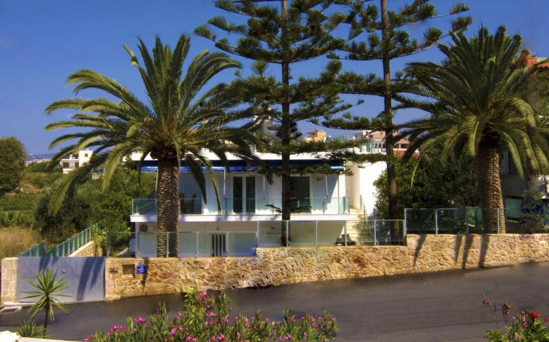 Luxury Family Villa, steps from seaside & village - Image 1 - Galatas - rentals