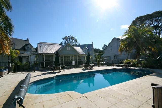 Swimming pool area - fully gated - Settler's Cottage - Russell - rentals