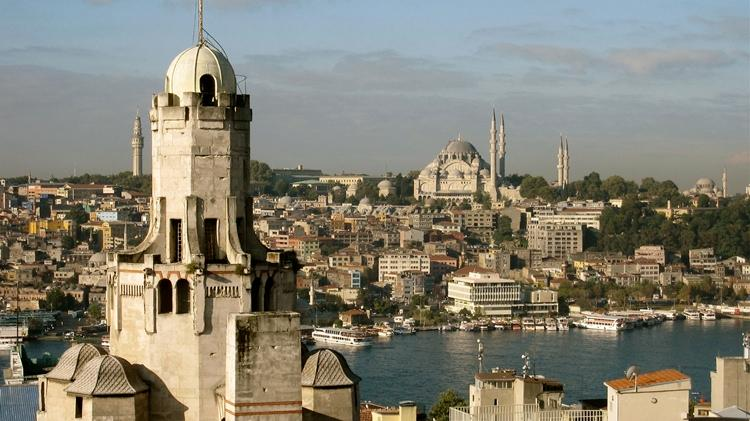 fantastic views from shared roof-top terrace - next to galata tower, views from shared terrace - Istanbul - rentals