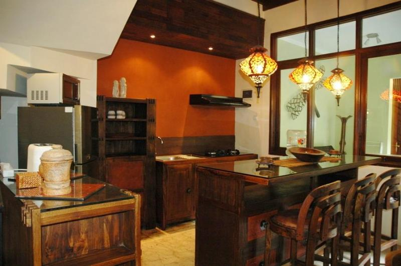 KUTA ROYAL - (o) Gorgeous 4 or 5 Bed Villa - deci - Image 1 - Kuta - rentals