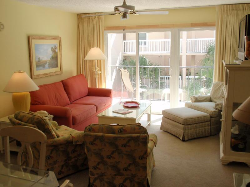 Comfortable & luxurious living room - seating for 6, flat screen TV, DVD,VCR - Best Oceanfront Resort! Beach Club 231! $1465 wk!! - Saint Simons Island - rentals