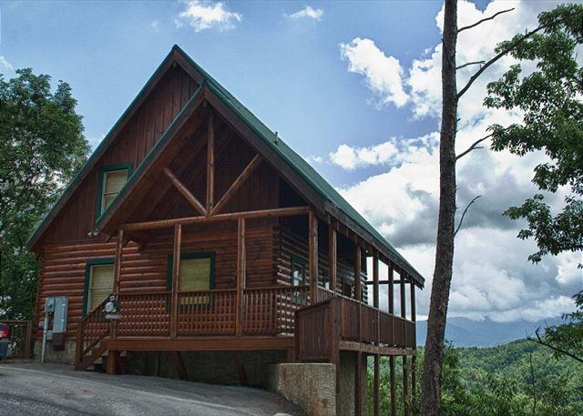 Gorgeous and Luxurious with Breathtaking Views of Mt. LeConte! - Image 1 - Pigeon Forge - rentals