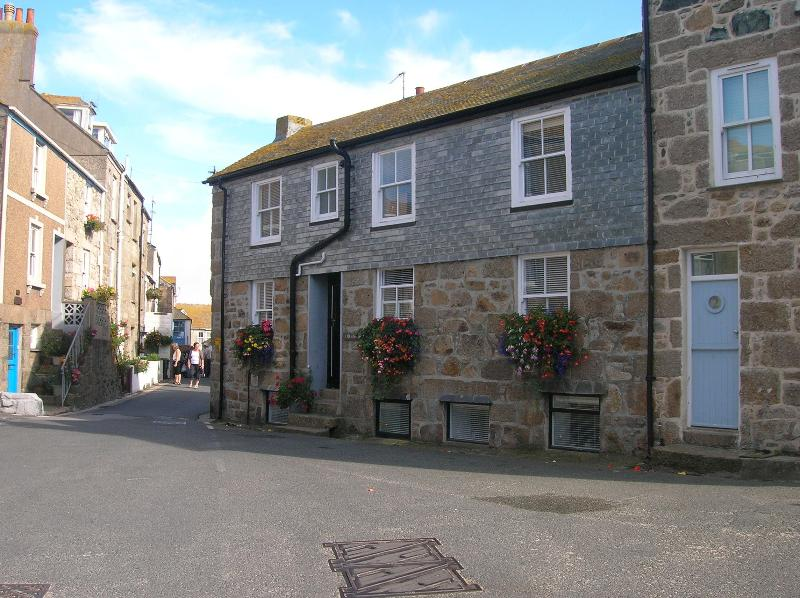 Single Bedroom - Holiday Cottage in Heart of  Old St Ives, Sleeps 5 - Saint Ives - rentals