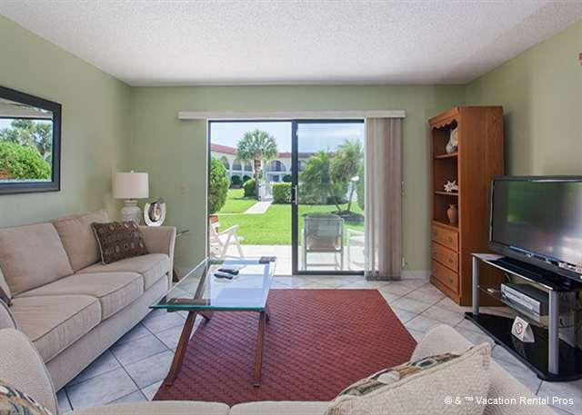 Relax in our open living room - sit back and enjoy HDTV! - Ocean Club I 34, pool, walk to the beach - Saint Augustine - rentals