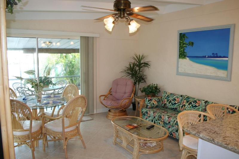 Living Room with new furniture - Casa Mar Azul 2 - Cabana Club, Pool & Inch Beach - Key Colony Beach - rentals