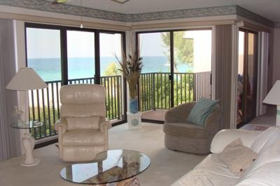 Open Living Room w/ Gulfviews - Water's Edge 205 South - Holmes Beach - rentals