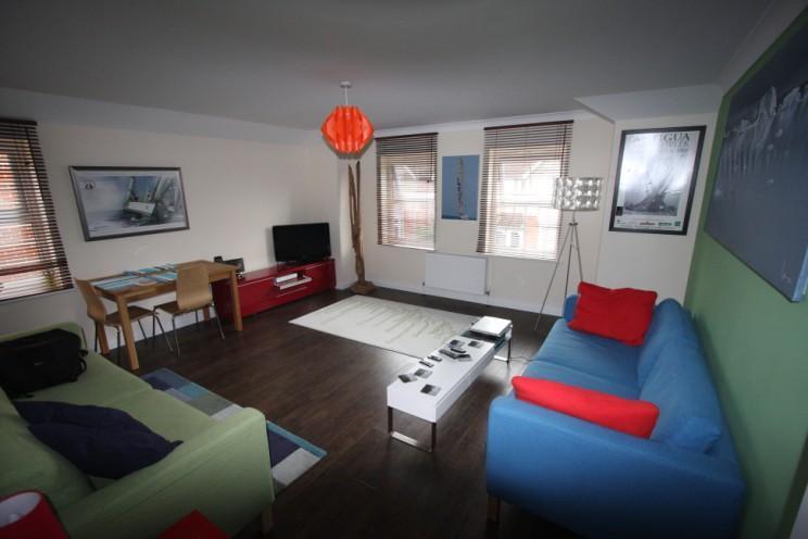 Luxurious Lounge - SailSpy Apartment - Cowes - rentals