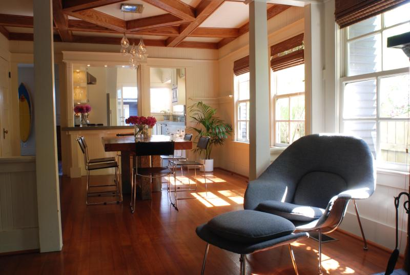 Large living room is just perfect for hanging out - The Cabrillo House - Santa Monica - rentals