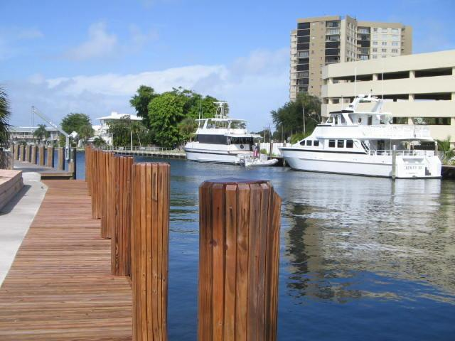 canal view - Waterfront 3 BR/3 BA Pool Home - 1 Block to Beach - Pompano Beach - rentals