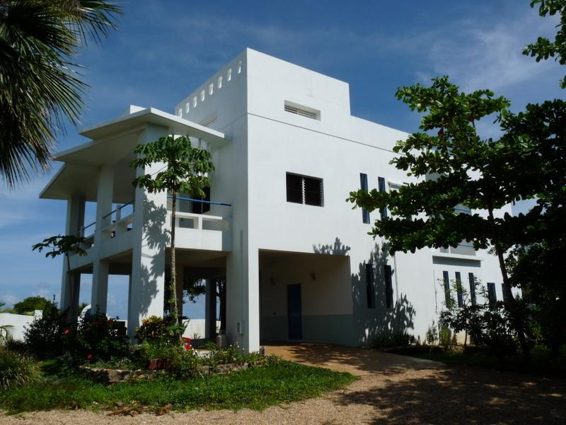 view from gate - Casa Nettuno- A  Villa on the Caribbean Sea - Placencia - rentals