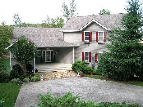 View of Front of house - 6000 S.F. Home on Lake Lanier, Summer is Coming! - Dawsonville - rentals