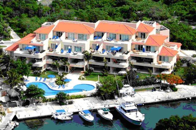 Portobello Private Residences - FANTASTIC H20 CONDO - Upscale resort - VIEWS - Puerto Aventuras - rentals