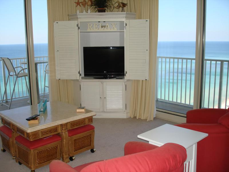 living room with wrap around balcony - 19th Floor Beachside Corner Unit with Incredible Views - Panama City Beach - rentals