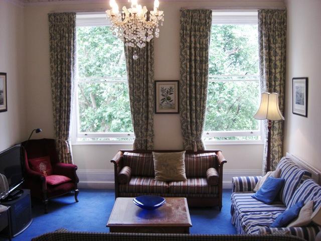 Living Room - Hyde Park- Splendid 2 Bedroom 2 Bathroom Apartment - London - rentals