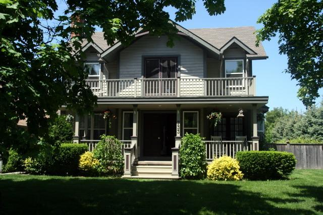 The Homestead- Luxury 4 Bedrm Vacation Home w Pool - Image 1 - Niagara-on-the-Lake - rentals