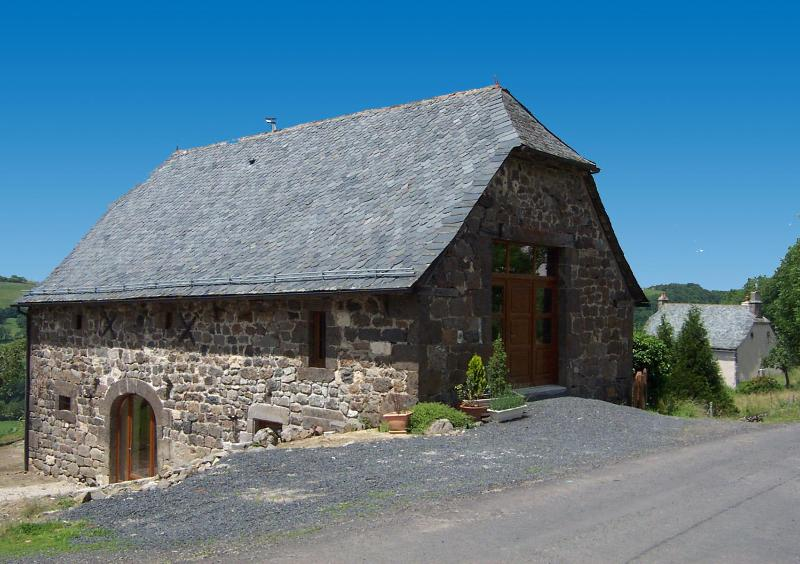 Les Secrets du Bonheur waits unassumingly to dazzle its guests - Les Secrets du Bonheur, Mur de Barrez, Aveyron - Mur-de-Barrez - rentals