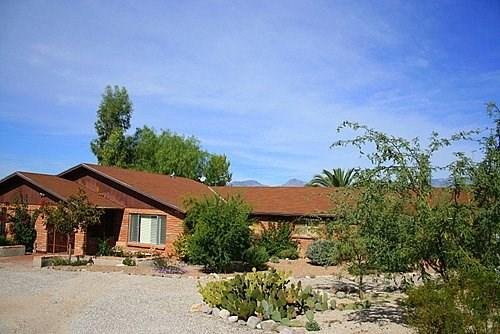 3 bedroom 2 bath plus 1 bedroom Casita with a Pool and Mountain Views - Image 1 - Tucson - rentals