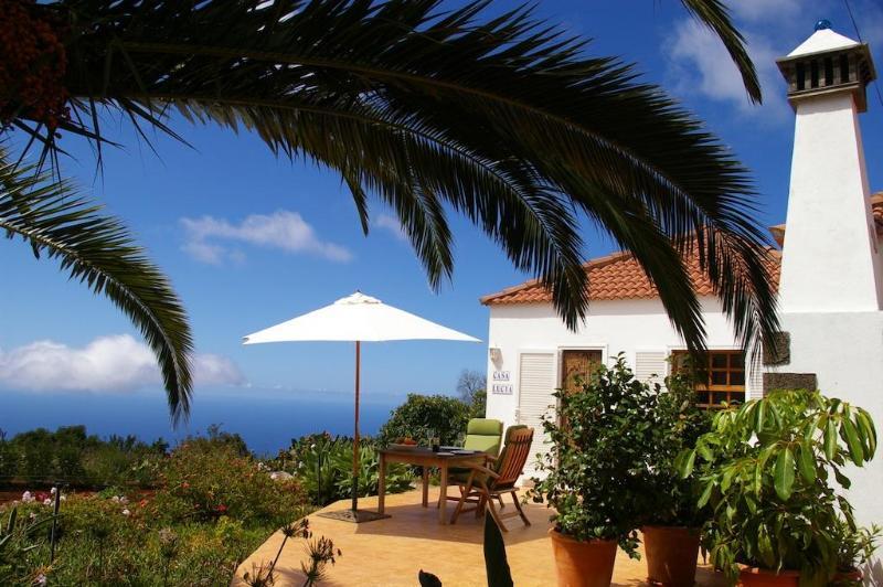 Casa Lucia a peaceful haven - Casa Lucia, sea views, WiFi, BBQ, now with Air Con - La Palma - rentals