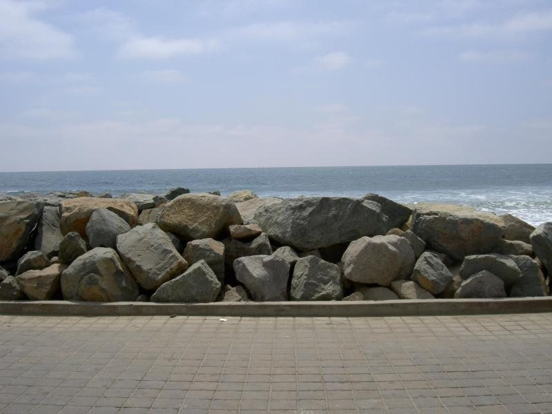 View of the rocks in 12' in front of Cottage - Beachfront Cottage with Magnificent Ocean Views!! - Oceanside - rentals
