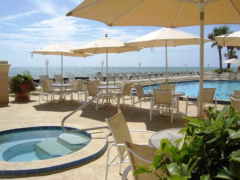Sea Oaks Beach Club - Lakeside Villa with Oceanfront Access, Vero Beach - Vero Beach - rentals