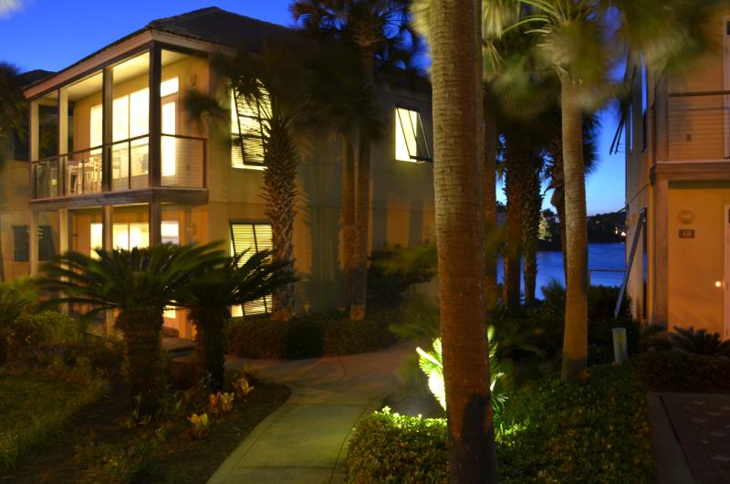 Incredible views of Gulf and Lake Destiny from this Villa! - Villa 50 Steps to Beach! Views!Rent as 2 or 4 BDRM - Destin - rentals