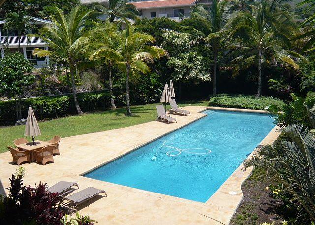 Pool & Garden View - Aloha! Welcome to Kahle Ohana, our brand new Keauhou vacation home.-PHKahle - Kailua-Kona - rentals