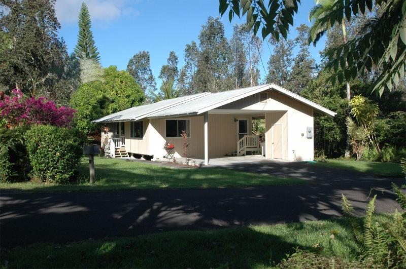 Front of House - Mahimahi Street Vacation Rental - Pahoa - rentals