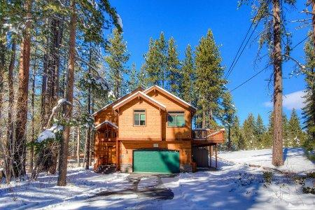 Idyllic 6 Bedroom-4 Bathroom House in South Lake Tahoe - HCH1653 - Image 1 - South Lake Tahoe - rentals