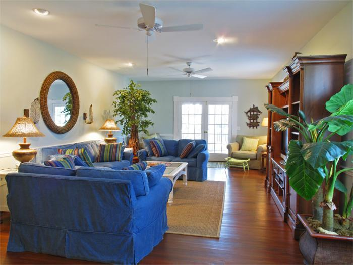 Formal Great Room with Sleeper Sofa - Spacious Bch Retreat w Hot Tub - Isle of Palms - rentals