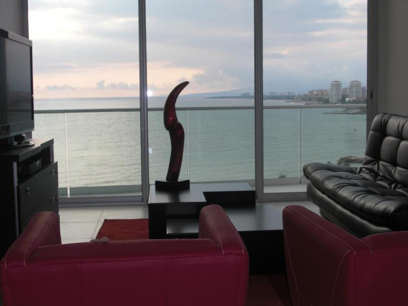 Living Room - Ocean/Marina Views ICON Vallarta 1BR 10th Floor - Puerto Vallarta - rentals