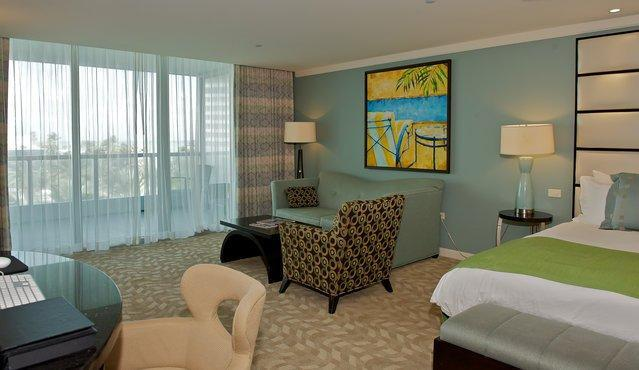 Magnificent Large Junior Suite at the Fontainebleau Hotel! - $299/n Fontainebleau OceanView! Sleeps 6people!!!! - Miami Beach - rentals