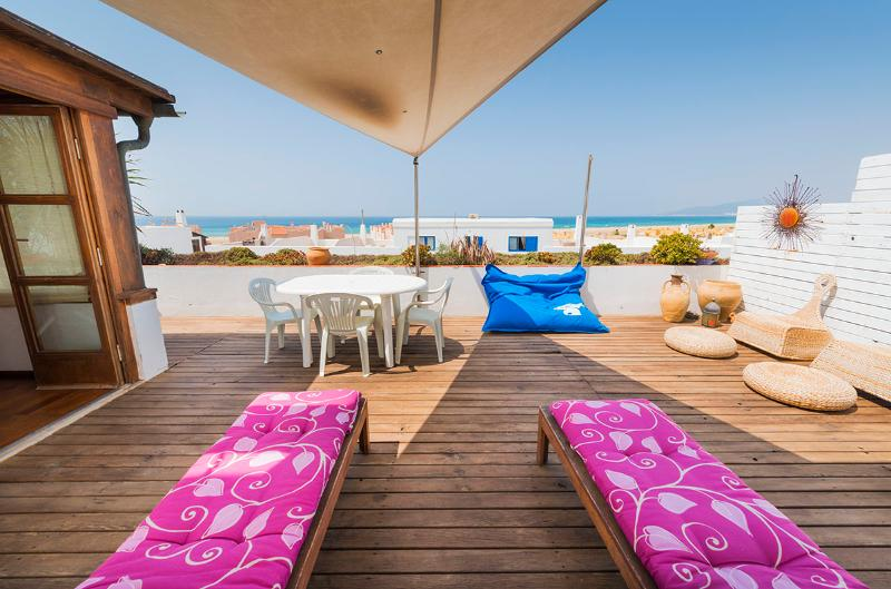 Large terrace with great sea views. - Large 3 bedroom,sea view terrace, Wi-fi,Tarifa. - Tarifa - rentals