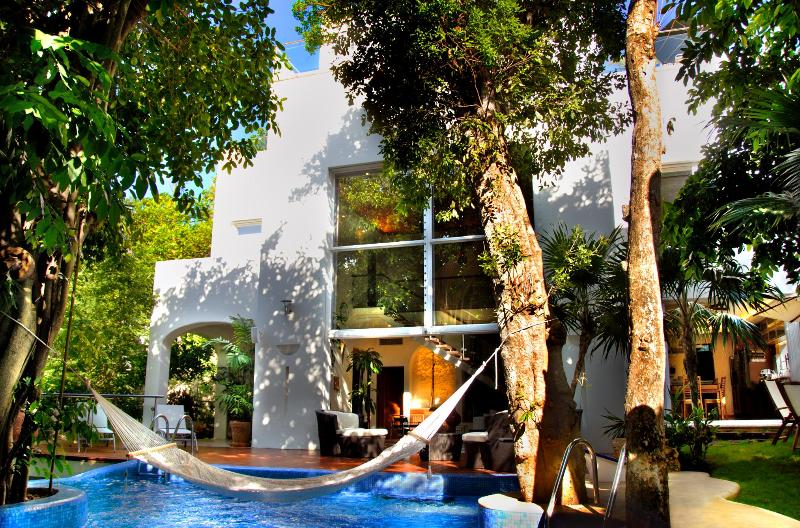 Front of House in the day - Casa Los Charcos Luxury Villa - Playa del Carmen - rentals