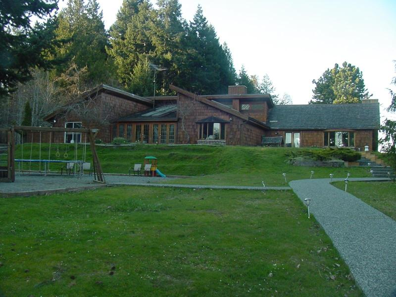 Seameadows Luxury Estate House - Image 1 - Gabriola Island - rentals