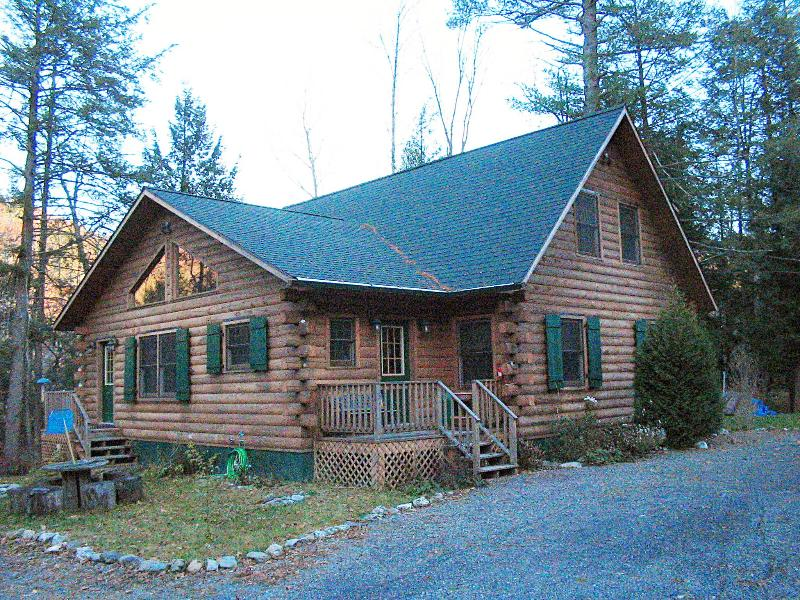 View from Driveway - Hillhouse Log Cabin - Hillsdale - rentals