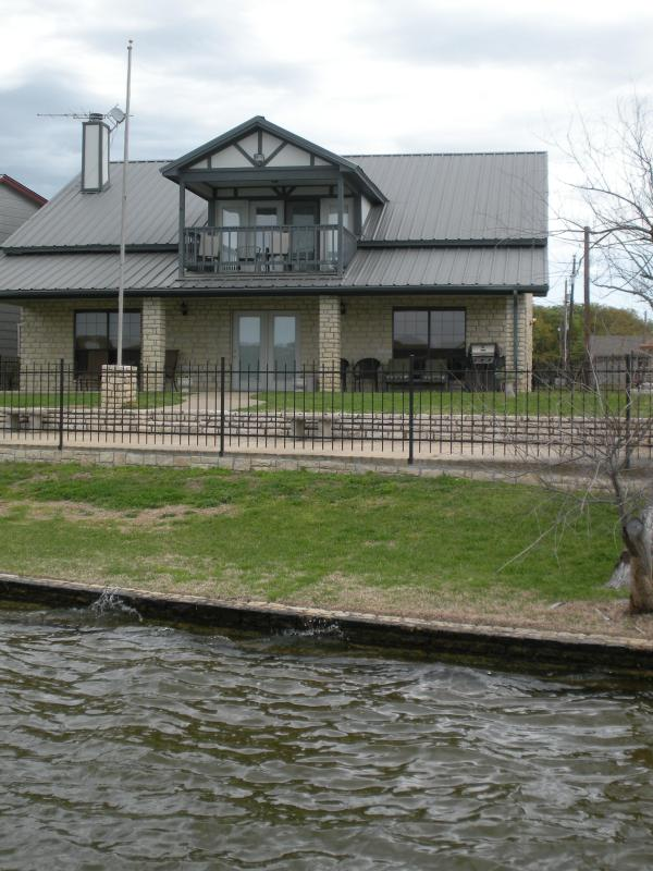 view from the lake - The Perfect Vacation Retreat On Lake Granbury - Granbury - rentals