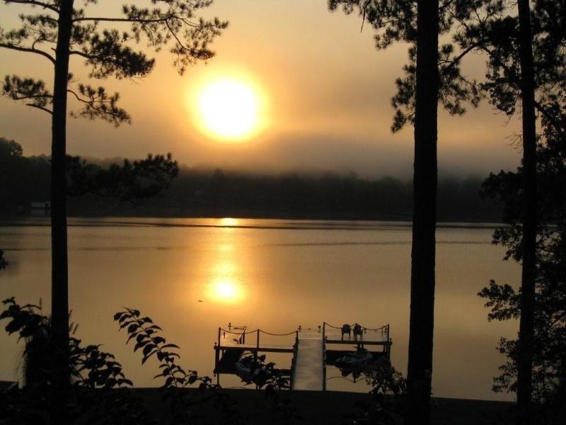 Lake Sinclair A-frame, Wi-Fi, Waterfront 3Bed/2BA - Image 1 - Eatonton - rentals