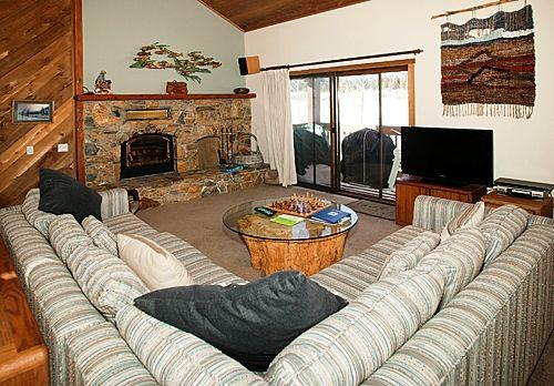 Picturesque 3 BR, 3 BA House in Mammoth Lakes (Snowcreek #418 (Phase 3)) - Image 1 - Mammoth Lakes - rentals