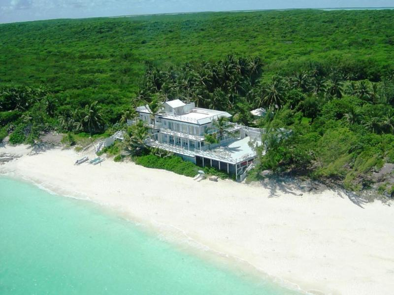 aerial view - CELEBRITY BEACHFRONT VILLA & BOAT - 7BR, SLEEPS 18 - Great Exuma - rentals