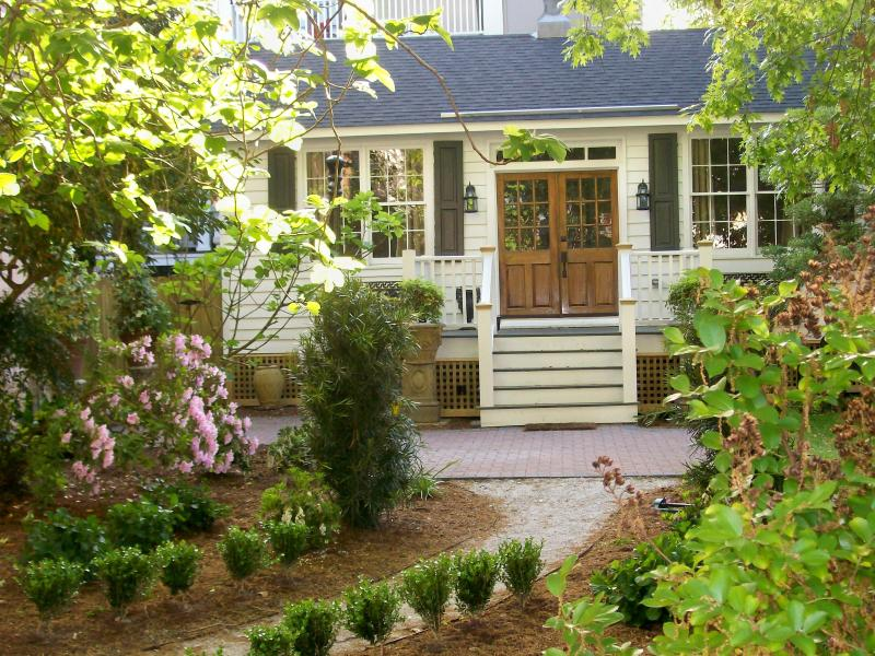 Welcome to the Cottage - The Cottage at 9 Limehouse Street - Charleston - rentals