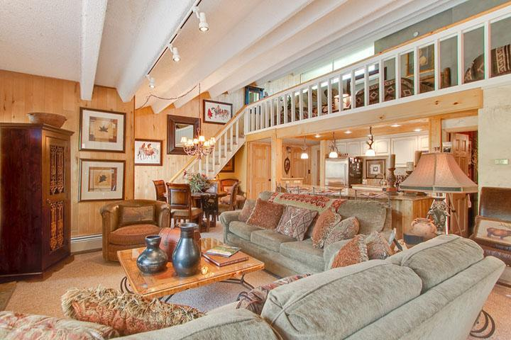 Spacious Living Room & Loft - Absolutely Luxury Condo - Walk to Lifts and Town - Breckenridge - rentals