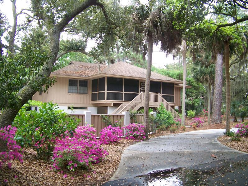 Our home with Spring azaleas - Oceanside Budget/Large Group/near Beach/Sea Pines - Hilton Head - rentals
