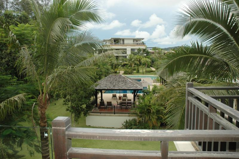View of the pool and gardens - Paradise on Bangtao Beach, Phuket - Cherngtalay - rentals