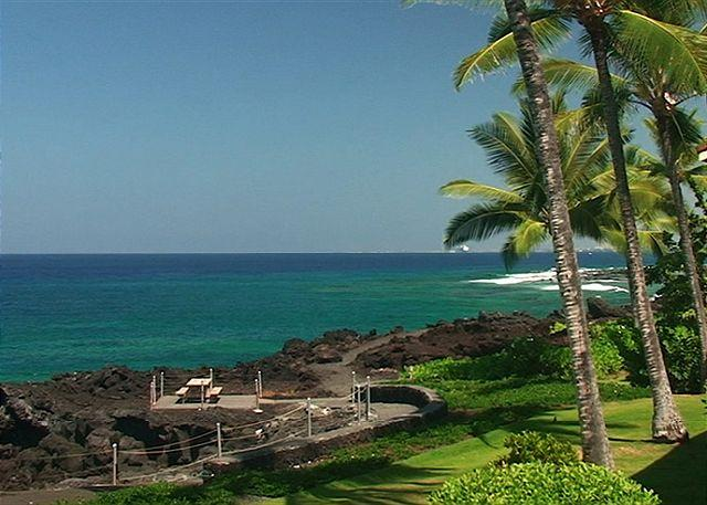 KKSR2204 DIRECT OCEANFRONT CORNER UNIT!!! 2nd Floor, Wifi, BREATHTAKING VIEW! - Image 1 - Kailua-Kona - rentals