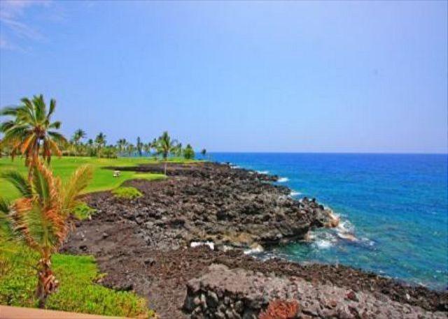 KKSR5304 $189.00 special all of April! DIRECT OCEAN FRONT 2 Bedroom + Loft - Image 1 - Kailua-Kona - rentals