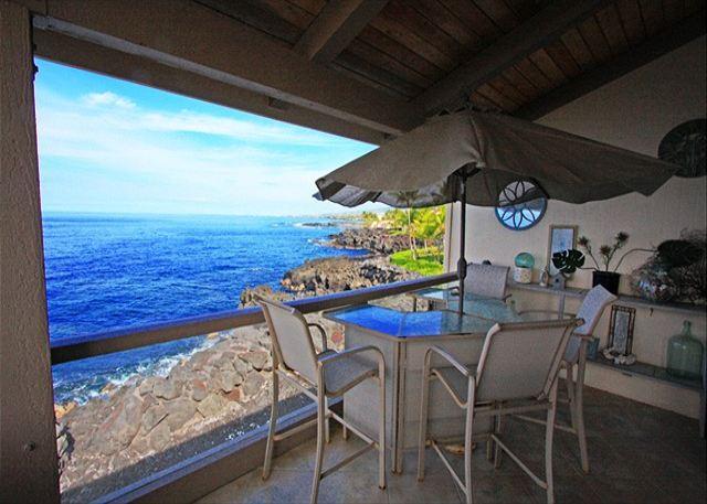 KKSR5304 !! DIRECT OCEAN FRONT, TOP FLOOR, W/LOFT!  BEST CORNER IN COMPLEX! - Image 1 - Kailua-Kona - rentals