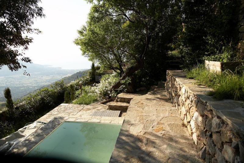 Pool with view of the sea and valley - Sant Antonino , Corsica - Sant'Antonino - rentals